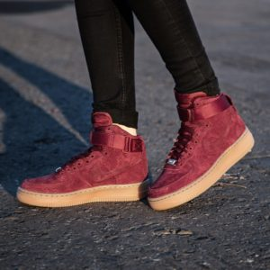 2nike-wmns-air-force-1-hi-suede